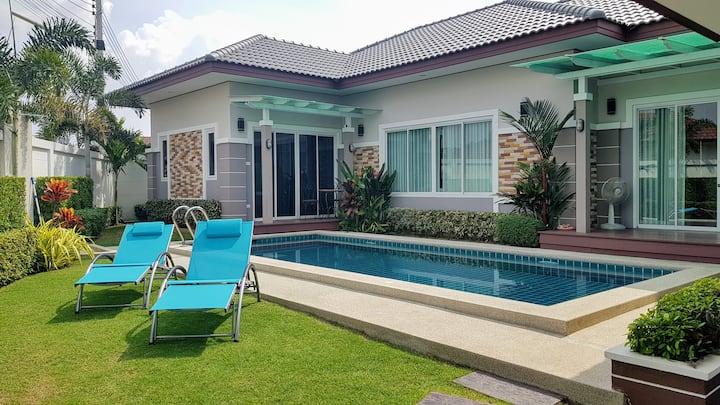 Fantastic new 3-bed Pool Villa, 7 minutes to beach