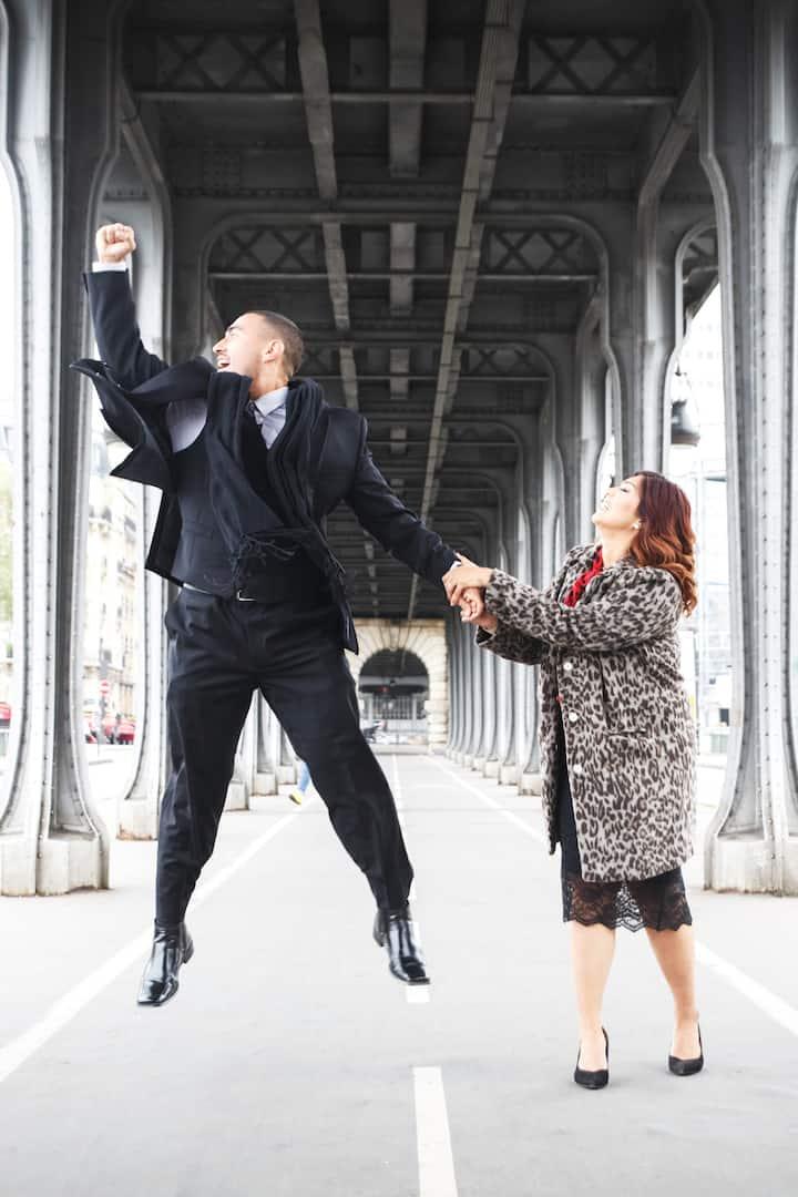 American couple @ the Bir Hakheim Bridge