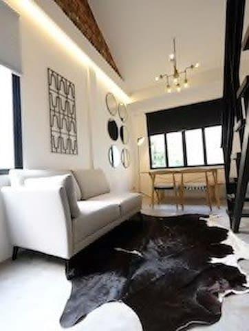 S - Brand New Airy & Stylish Loft @ City