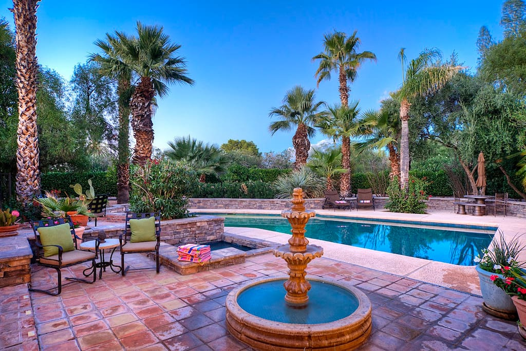 Pool, spa, fountain, dining for 12, gas barbecue, outdoor speakers, and so much more!