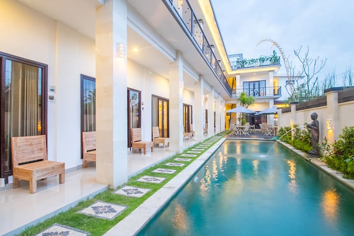 Clean and Modern Room with Fast Wi-Fi in Canggu #T