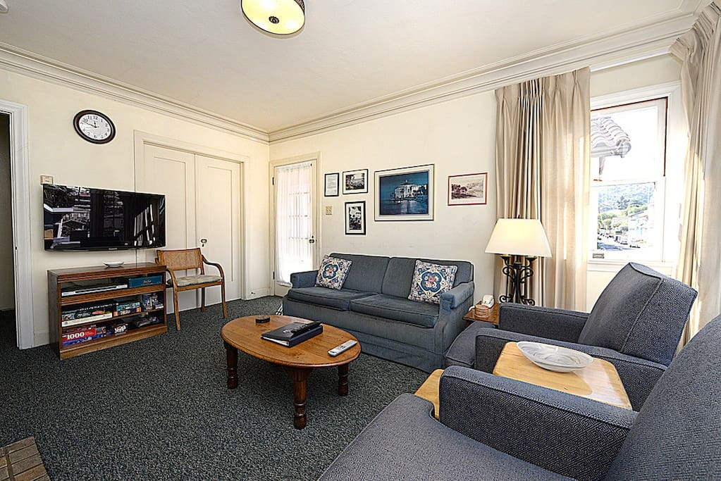 Living Room with TV - Catalina Island Vacation Rentals