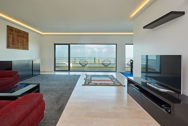 Huge sea view penthouse. Private pool only for you
