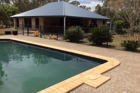 Beelbi Creek Lodge, Toogoom, Hervey Bay Queensland - Beelbi Creek - Rumah
