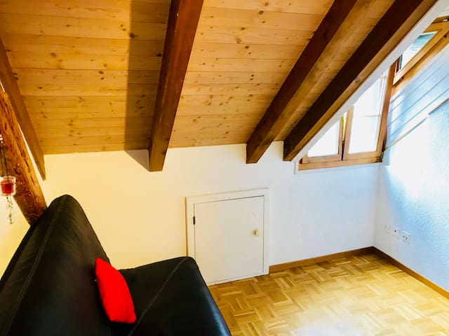 Rooms in charming appartment in old town of Biel