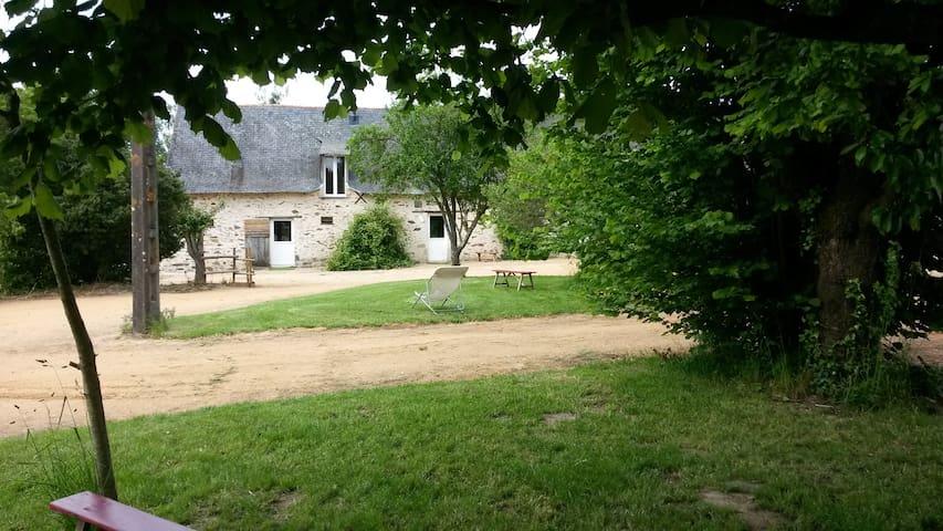 GITES DE LA DOUCE VIE - Gite Le Verger - Châteauneuf-sur-Sarthe