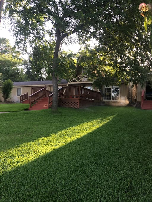 Breeze off the water and afternoon shade makes for a great day , yard fun of any kind , ladder ball , horse shoes, corn hole , washers , catch , football and baseball