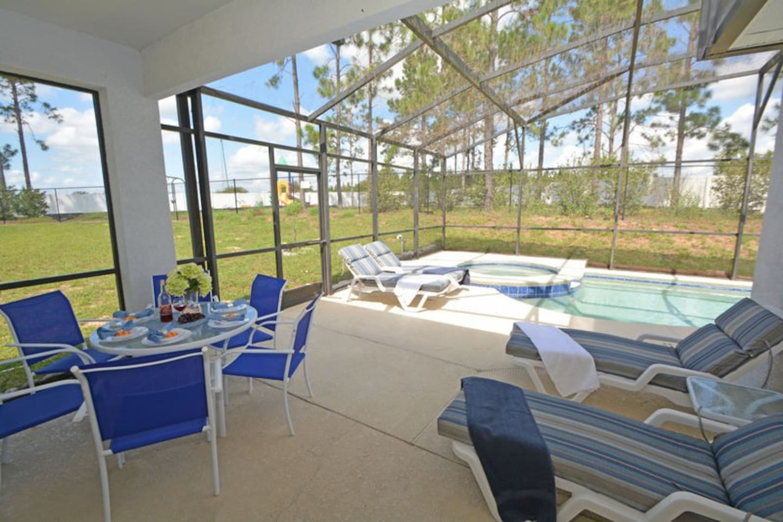 190CHW. Lovely 4 Bedroom 3 Bath Disney Area Pool Home