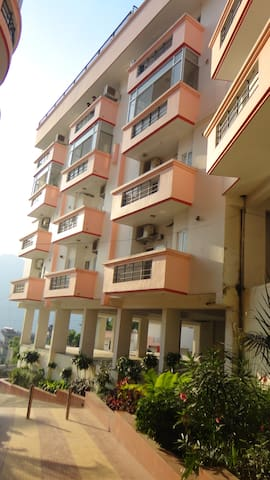 Entire apartment with Hill View - Rishikesh - Lakás