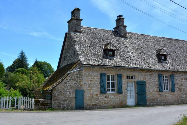 Maison au bord des bois