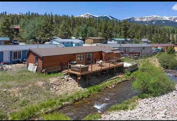 2 br/2ba home w private hot tub 1mile from main st