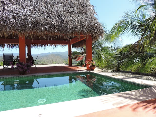 Private Villa + pool, rancho, Wi-Fi. Sleeps 6. - Sámara - Villa
