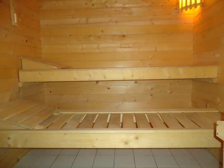 Huis met sauna en tuin in centrum