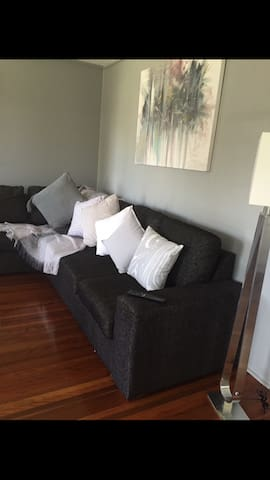 2 bed 1 bath Queensland home - Virginia - Casa