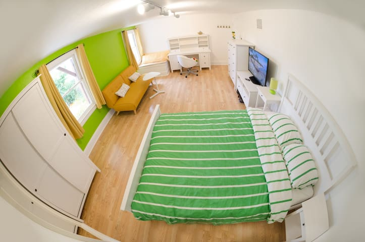Private giant stylish fully furnished room