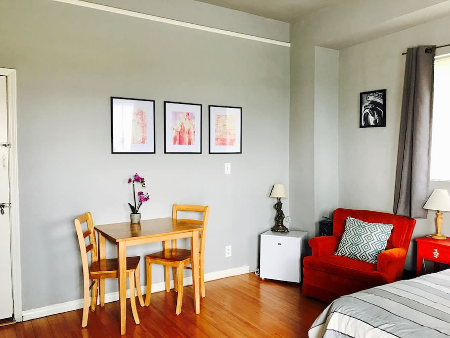 los angeles studio walk downtown la apartments for rent in los angeles california united states. Black Bedroom Furniture Sets. Home Design Ideas