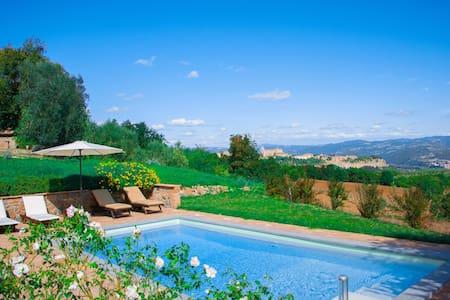 Villa per 8 persone con piscina privata e SPA - オルヴィエート