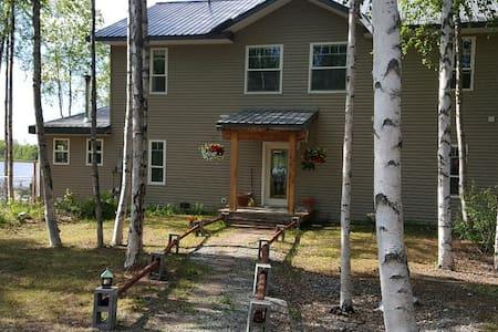 Alaska Experience Lakeside Lodge, Rustic Suite - Wasilla