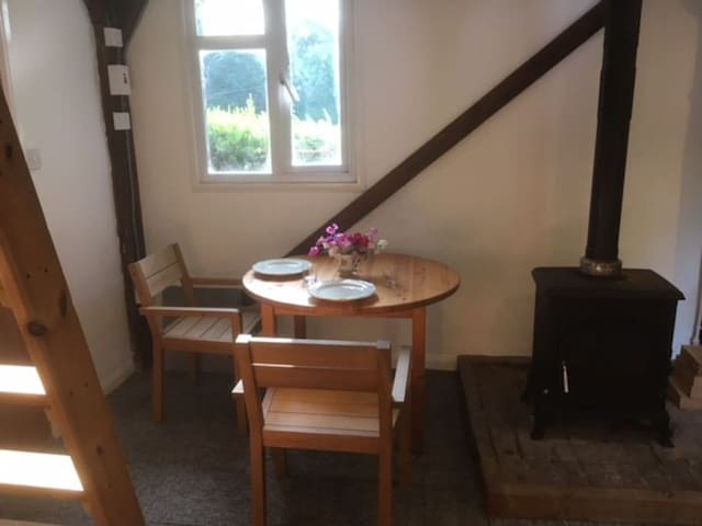 Rustic Retreat - close to Hickstead and Henfield