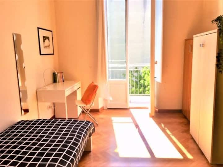 Comfortable room with balcony Campo di Marte area