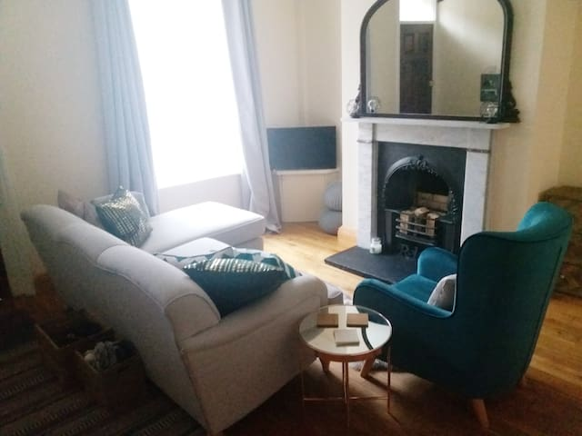 Cosy Carlisle house close to train station