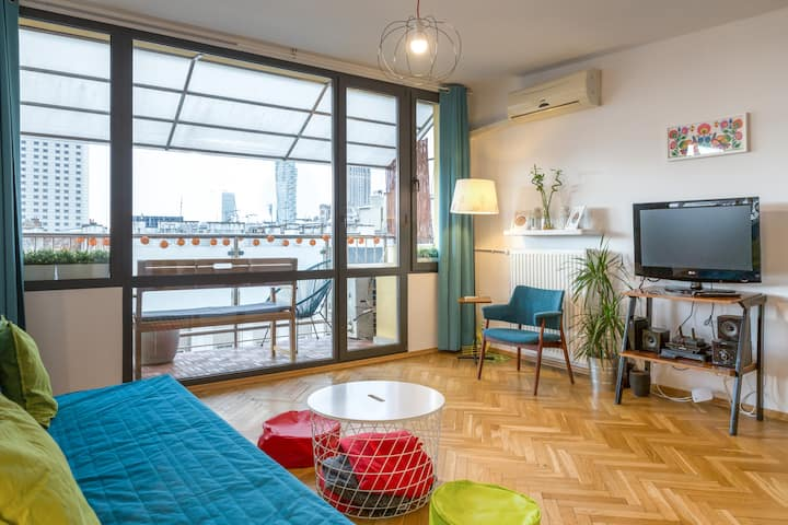 Retro Funky Apartament with sunset view (AC)
