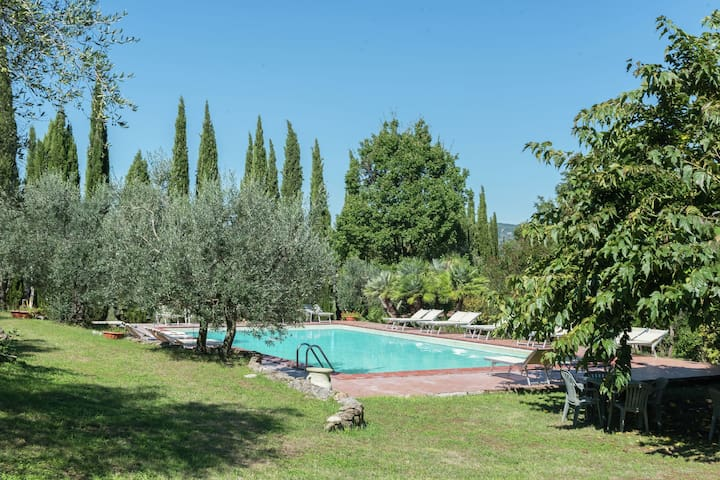 Atmospheric apartment in authentic house near beautiful Sasso Pisano