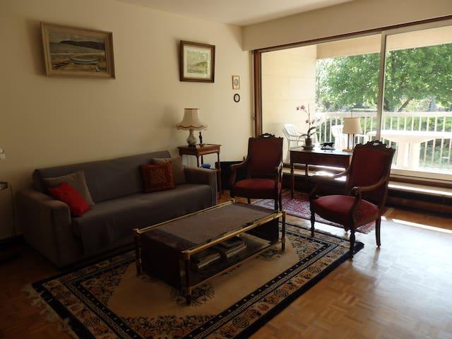 Agréable appartement face parc de Sceaux