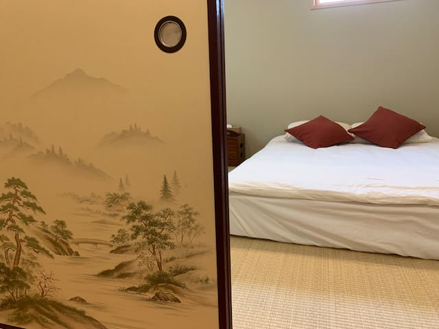 二楼卧室 Second floor bedroom