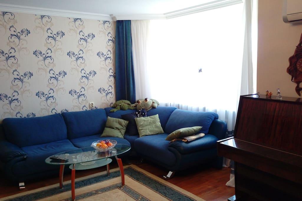 Гостинная (Living room)