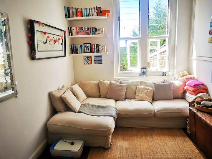 Beautiful flat, central, wonderful garden&balcony