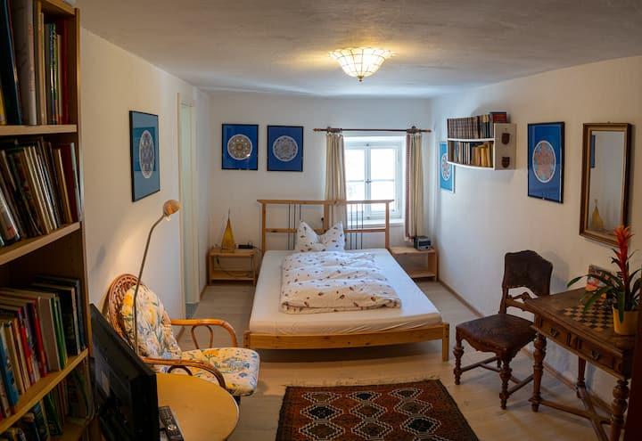 Gemütl.  Zimmer in 500 Jahre altem Bergbauernhof