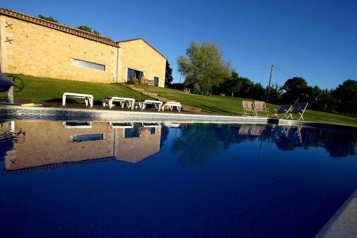 Wonderful house in Périgord , heated pool