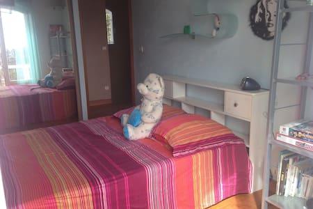 Chambre confortable avec parking - Nizza - Villa