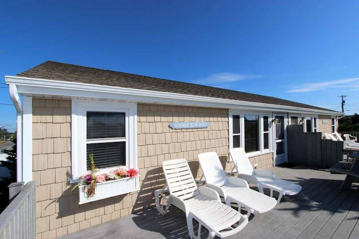 Charming Duplex Unit Close To Beaches!