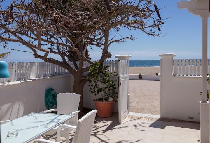 Villa Playa Honda en 1ª línea