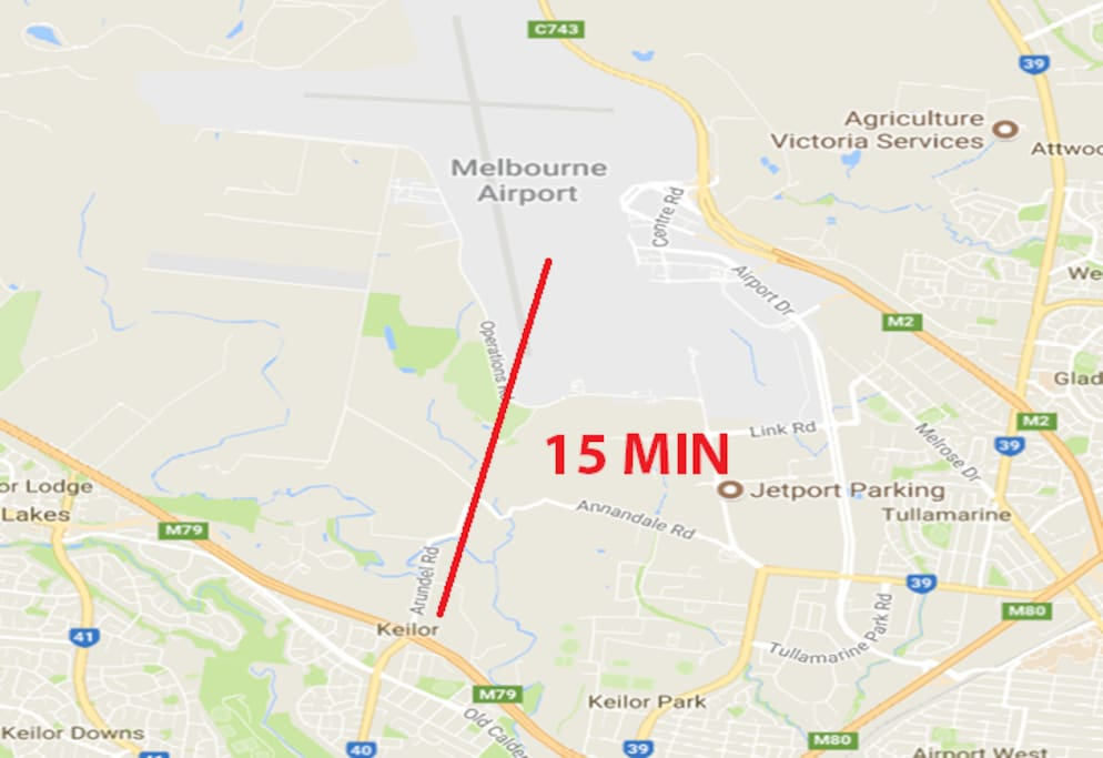 ONLY 15 MIN TO AIRPORT