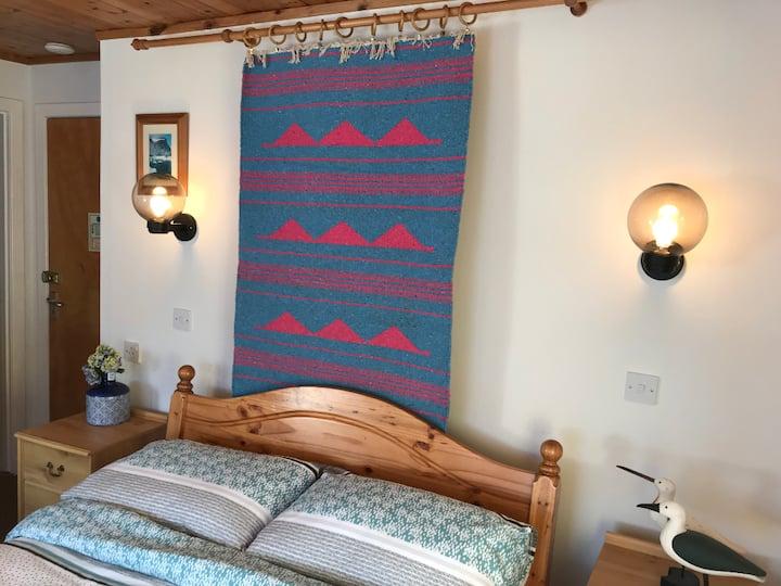 The Mountain Lodge- John Muir Room