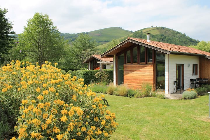 Eco-gîte ****, en plein coeur du Pays Basque. - Saint-Jean-Pied-de-Port - Nature lodge