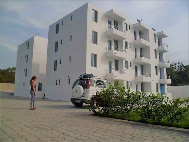 Hermoso departamento 2 habitaciones Playa Tonsupa - Tonsupa - Flat