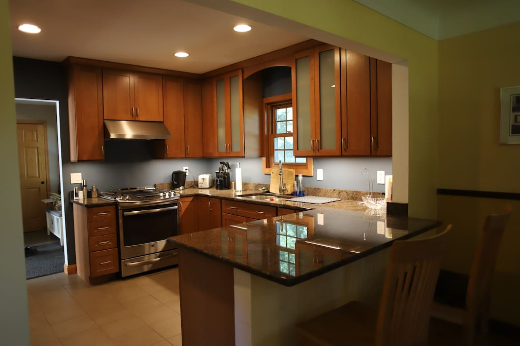Full kitchen and use of amenities.