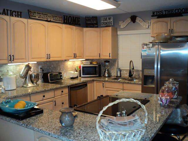 Seminole Villa Condo - Seminole - Condominium