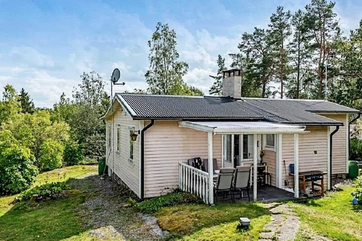 6 person holiday home in EDSBRO