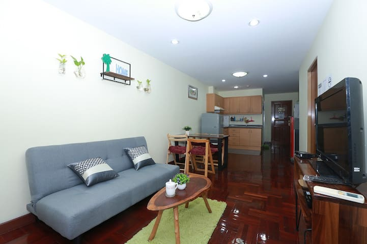 HotDeal 50% off Lovely 2 BR in Great location, Ari