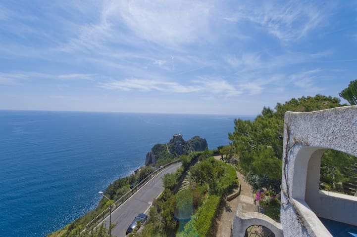 Roberta mediterraen house sea view