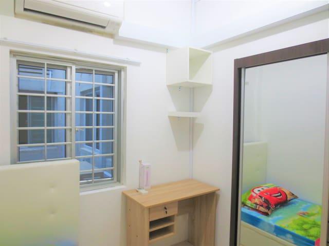 BRAND NEW Window Rm1 @ tiong bahru heritage