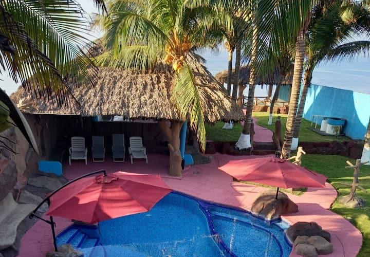 Chalet Majawual km 2.5 A orilla de la playa
