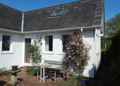 B&B in lovely village near Exeter - Thorverton