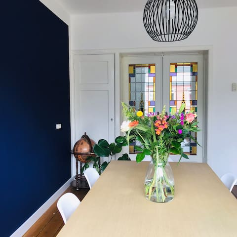 A 1930s house 6 minutes from The Hague Central
