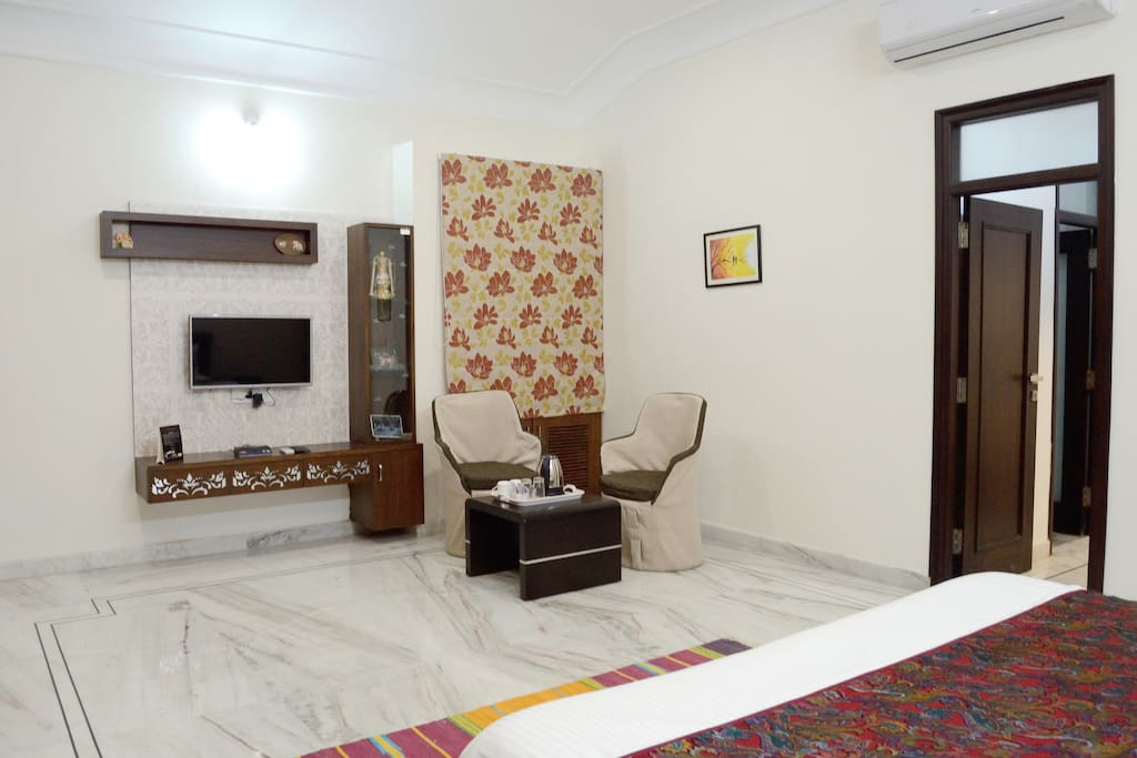 King Room Sitting Space @ Dilip Niwas